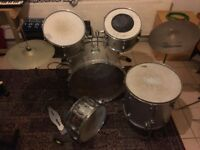 Maxwin Drum Kit & Pearl Snare