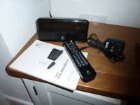 Logitech Squeezbox - wireless music streaming - perfect working condition