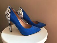 Electric blue heels size 5