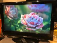 Toshiba 32 inch LCD HD TV, Freeview, Remote control,