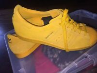 ADIDAS Shanghai suede trainers, Size 9