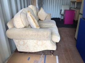 3 seater chesterfield sofa free delivery!