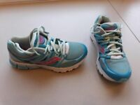 Girls Saucony running trainers uk 2.5 - Great Condition