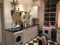 Room In Spacious West-End flat, Kelvinbridge . Rent includes bills
