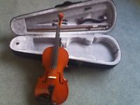 3/4 size violin. good condition. with bow and also shoulder support and case