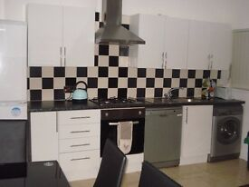4 bed student/ professional let in heart of Fallowfield