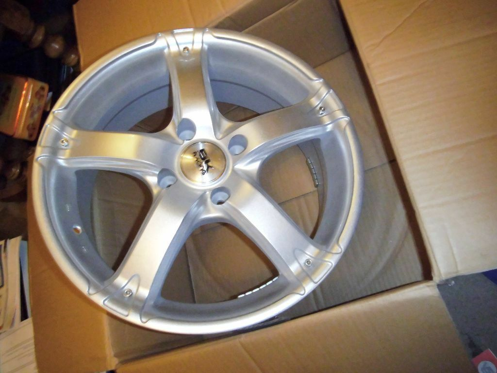 17 inch bk racing lightweight alloys x 4 brand new boxed 4 x