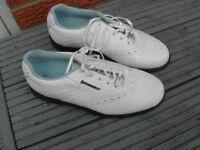 Dunlop White Golf shoes size 7 bargain £7.00