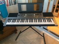 Yamaha PSR E353 keyboard, stand and cover