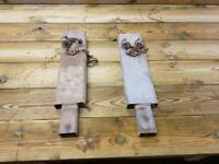 Choice of two ifor williams trailer centre posts for drop side