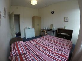 CHEAP!!! Double Room in Willesden Green Zone 2!!!