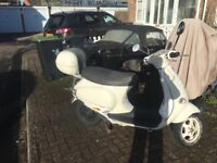 Vespa et4 125 for spares or repair