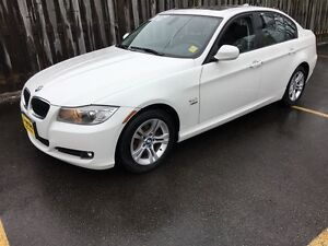 2011 BMW 3 Series 328i xDrive, Automatic, Leather, Sunroof, AWD
