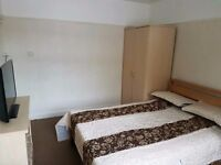 CHEAP SPACIOUS CLEAN DOUBLE ROOM AVAILABLE NOW!!!! E10 7JR!!!!! £110 PW!!!!
