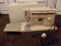 Singer 513 Electric Sewing Machine & Peddle & Case & Extension