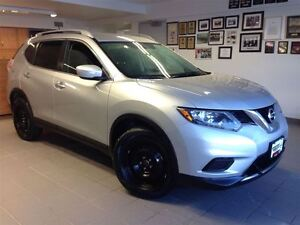 2015 Nissan Rogue S 1 OWNER LOCAL TRADE!!!!