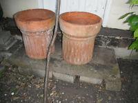 Earthen ware fluted flower pots