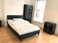 Newly refurbished 4 bedroom house - Students