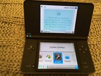 NINTENDO DSI XL + GAMES+ BAG + CASE