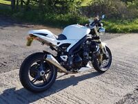 Triumph Speed Triple 1050 2005 1 owner from new. Paint job and many extra