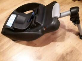 Maxi cosi car seat base. Quick, easy and safe!
