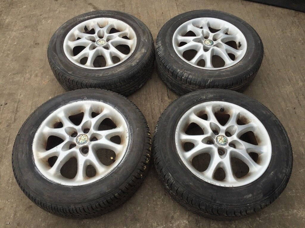 "Alfa Romeo 147 156 15"" alloy wheels - good tyres"