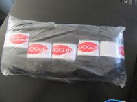 Craft - Vogue 5 x 100g Yarn (Knitting Wool) Black Double Knitting 90% Acrylic 10% Wool will post