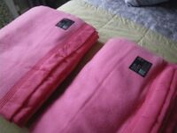 PAIR OF JONELLE 'ARUNDEL' PURE NEW WOOL BLANKETS. PINK and SATIN TRIMMED. DOUBLE SIZE.