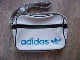 Genuine Retro Vintage Original 1970's 1980's Adidas Peter Black Sports Bag Holdall in white