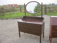 VINTAGE ORNATE MAHOGANY DRESSING TABLE & MATCHING OVAL MIRROR. VIEWING/DELIVERY AVAILABLE