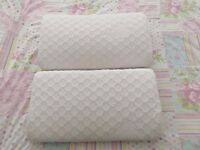 2 X Snug Orthopaedic Contour Memory Foam Pillows COOLMAX Zipped Washable Cover