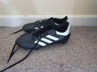 Size 7 1/2 adidas sports studs