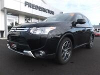 2015 Mitsubishi Outlander GT! AWD! LEATHER! ROOF! SAVE $10,000!