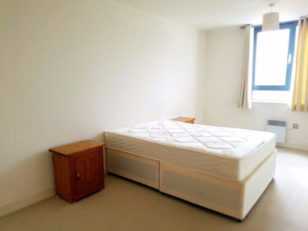 Spacious 1 bedroom flat to rent in Tower Hamlets / Fantastic transport links to Central London