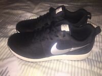 Nike Elite Shinson Size 6
