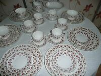 ROYAL IMPERIAL BONE CHINA 40 PIECE DINNERSET