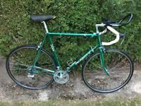 Retro vintage Peugeot Professional 400 racer / Road bike