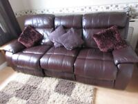 Leather 3 seater settee / sofa - electric reclining