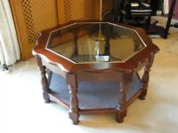 8 SIDED STYLISH OCCASSIONAL/COFFEE TABLE WITH BEVELLED GLASS TOP