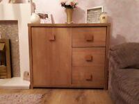 Chunky oak sideboard cupboard