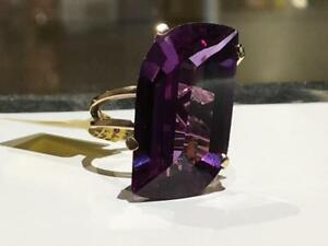 #1506 14K YELLOW GOLD LADIES BIG BEAUTIFUL SYNTHETIC SAPPHIRE STONE! *SIZE 7 1/4* JUST APPRAISED AT $1150.00!