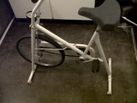 4SALE.1 WHITE ADULTS,EXERCISE BIKE ONLY £6