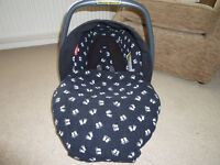 Britax 0+ stage car seat with winter hood and footmuff