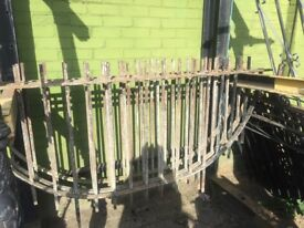 Set of 3 half-round Iron wall railings