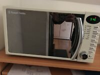 Russell Hobbs microwave / Cream colour, almost new