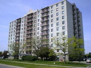 Selkirk - 16 Leroy Grant Dr. - Near Kingston Centre -1Bdrm
