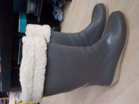 Ladies Size 7 Wellies Fur Lined - Good Condition - Collect PE27 5JU