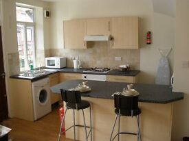 2 x double rooms to let - clean cheap accomadation