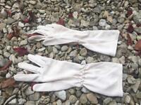 Vintage pair of gloves