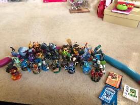 30 skylanders